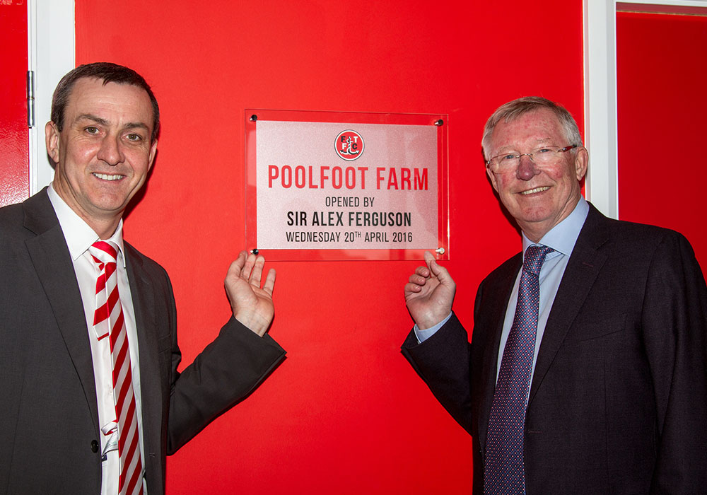 Andy Pilley And Sir Alex Ferguson With Commemorative Placard